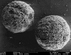 SiO 2 (Aerosil): vlevo před sonikací, vpravo po sonikaci [2]