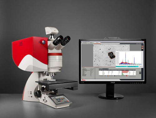 Obr. 3: Leica mikroskop s  RapID LIBS chemickou analýzou.