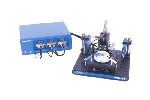 Obr. 1: Kompaktný skenovací elektrochemický mikroskop SCEM150, Bio-Logic SAS