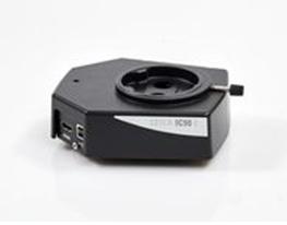 Dva optické kanály korespondující s kanály ve stereomikroskopech Leica