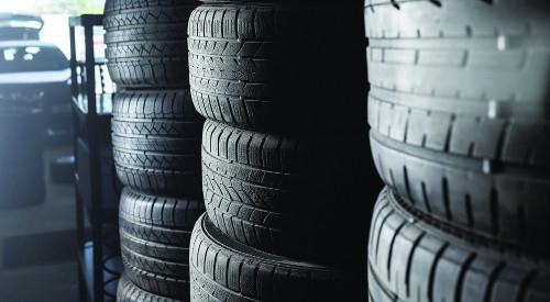 Obr. 1: Sadze sú využívané napríklad ako prísada do pneumatík